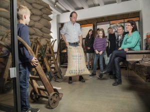 Tagesausflug Überseestadt Bremen mit Führung Hafenmuseum