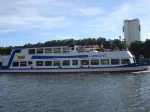 Hafenrundfahrt mit Hanseat ab Bremen