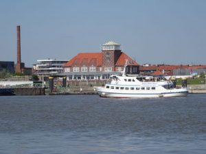 Schifffahrt Dicke Pötte Tour ab Bremerhaven
